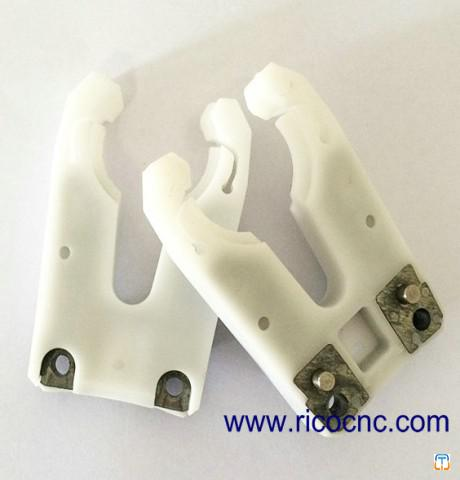White BT30 Tool Changer Grippers CNC Tool Clips for BT30 ATC Toolchanger