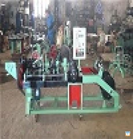 CS-C Straight And Reverse Twisted Barbed Wire Making Machine Equipment